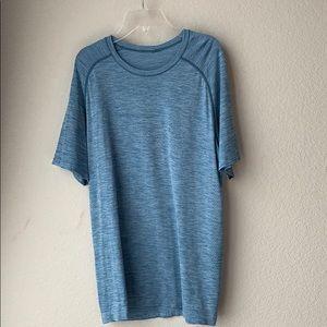 Lululemon short sleeve shirt